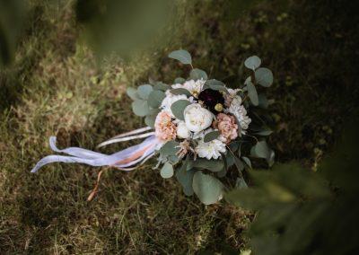 slub-wesele-dekoracje-florystyka-projekt-flores-bydgoszcz-torun-poznan-boho-rustykalny-herbarium-spa-037