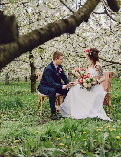 beautiful-moments-slub-wesele-sesja-w-sadzie026