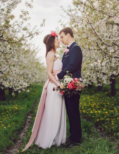 beautiful-moments-slub-wesele-sesja-w-sadzie030