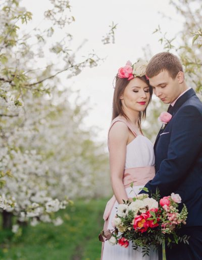 beautiful-moments-slub-wesele-sesja-w-sadzie031