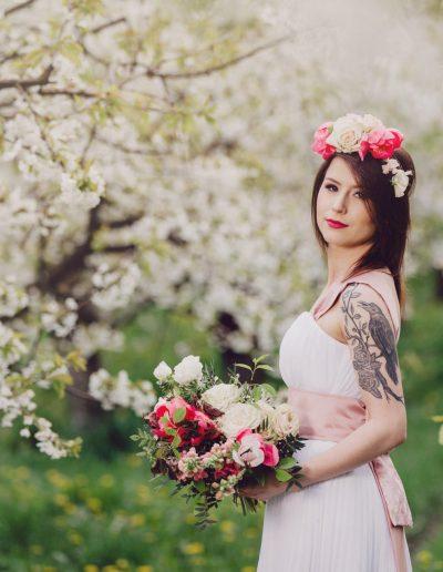 beautiful-moments-slub-wesele-sesja-w-sadzie035