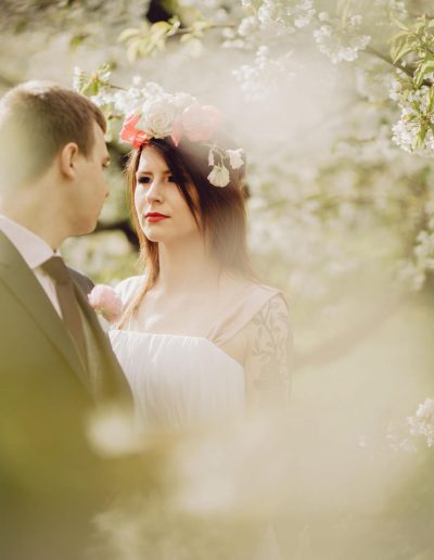 beautiful-moments-slub-wesele-sesja-w-sadzie047