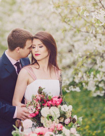 beautiful-moments-slub-wesele-sesja-w-sadzie053