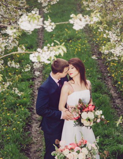 beautiful-moments-slub-wesele-sesja-w-sadzie055