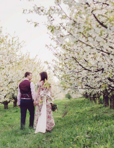 beautiful-moments-slub-wesele-sesja-w-sadzie085