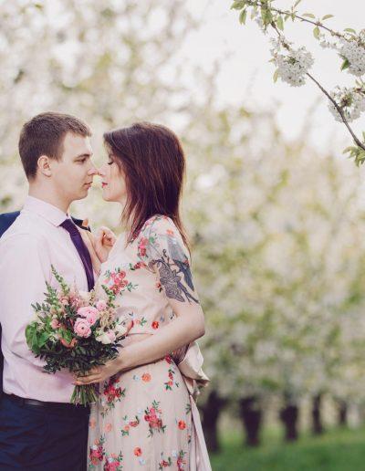 beautiful-moments-slub-wesele-sesja-w-sadzie090