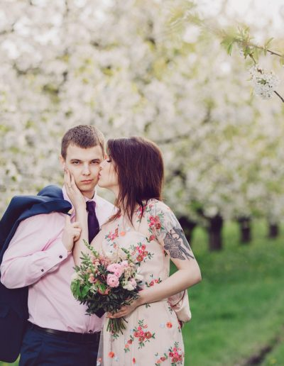 beautiful-moments-slub-wesele-sesja-w-sadzie093